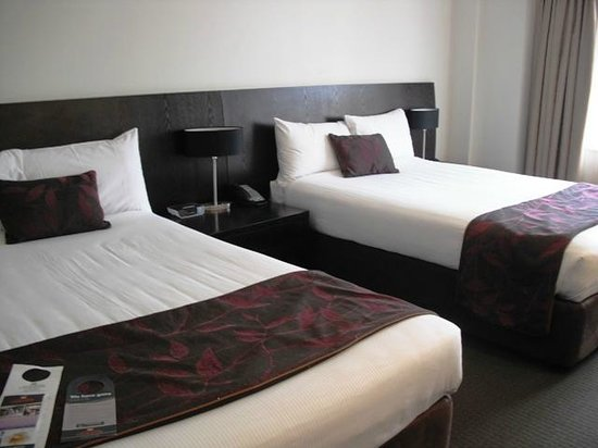 Hotel Grand Chancellor Adelaide on Hindley: Executive Twin Room - spacious and clean