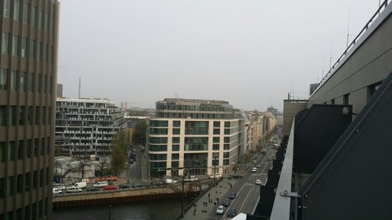 Meliá Berlin : Blick zu den Yoo Apartments