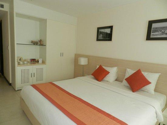 Nhi Phi Hotel : Номер