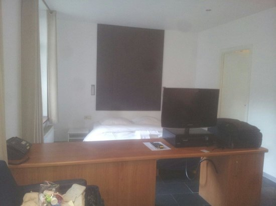 Azimut Flathotel: Camera da letto