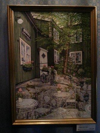 Berget Cafe & Tehus : Original artwork indoors