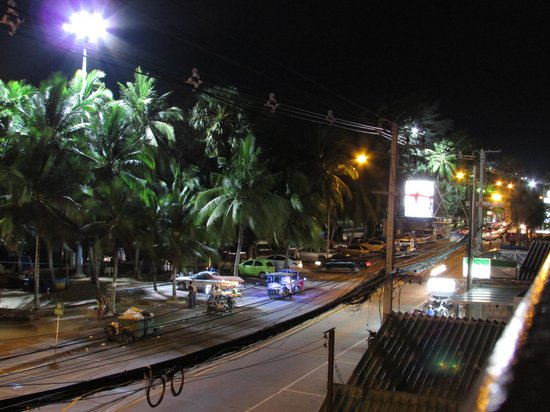 Jomtien Boathouse: Jomtien by night from balcony