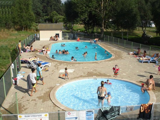 la piscine et sa pataugeoire photo de camping le galier saint alban sur limagnole tripadvisor. Black Bedroom Furniture Sets. Home Design Ideas