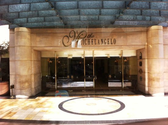 Michelangelo Hotel: ็Hotel Front