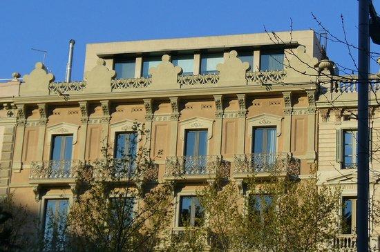 Sixtytwo Hotel: Façade de l'hôtel