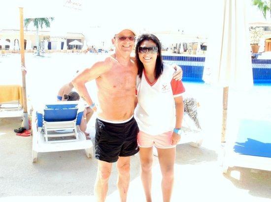Xperience Kiroseiz Parkland: poolside daneill and me