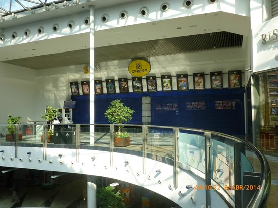Principe Pio Mall : Cines.