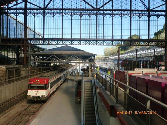 Principe Pio Mall : Estación de tren.
