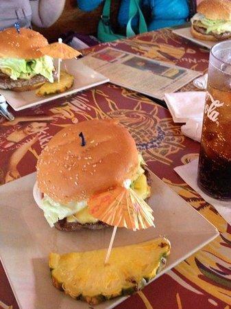 Cheeseburger In Paradise : カリフォルニアチーズバーガー