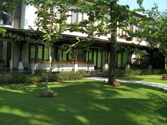 Rama Candidasa Resort & Spa : front of hotel section