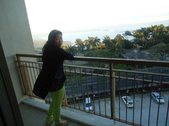 Summit Ridge Tagaytay : The balcony facing the hi-way..