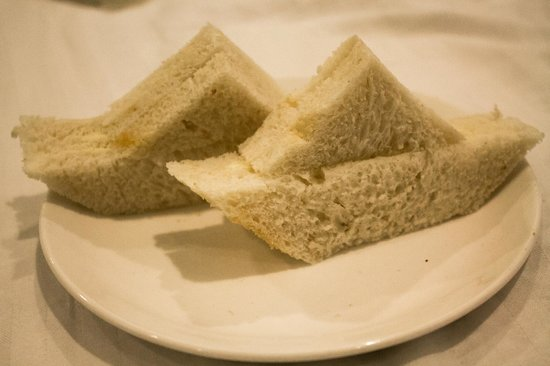 Cosset - A Boutique Hotel : The awesome Bread butter