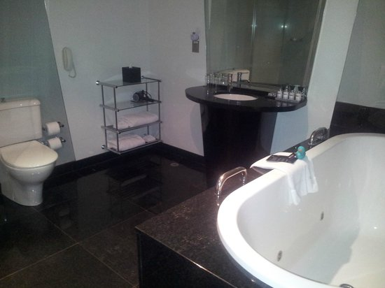 The Como Melbourne - MGallery by Sofitel: Bathroom