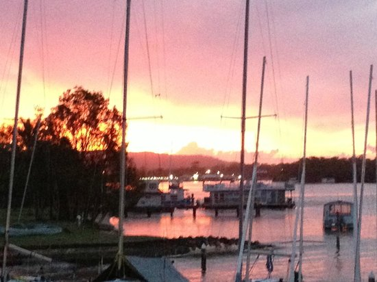 Noosa Keys Resort: Sunsets  from the deck at the  local  Yacht club
