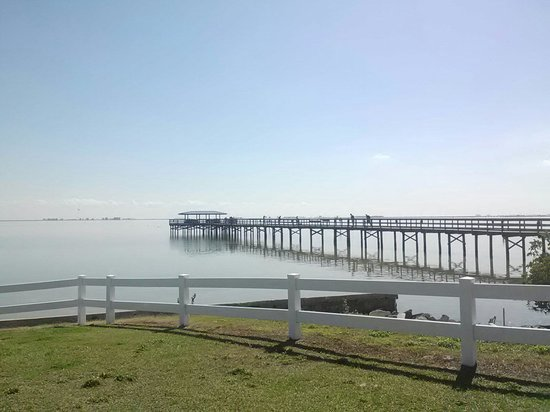 Safety Harbor Marina Park and Fishing Pier
