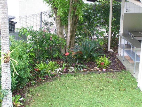 Noosa Keys Resort: Garden area