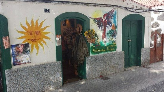 Mogan Princess & Beach Club: This little boutique in Fataga is very quaint
