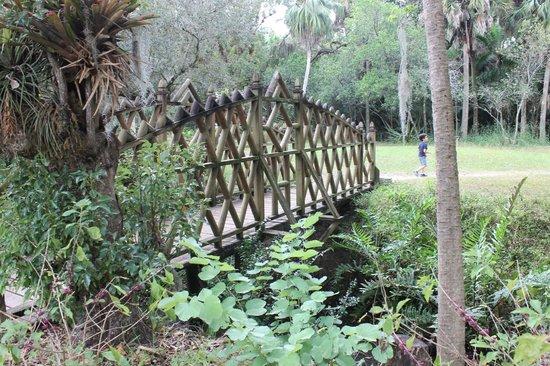 Koreshan State Park: wooden bridge on Historic site
