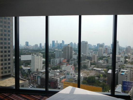 The Continent Hotel Bangkok by Compass Hospitality: Skyline view from room