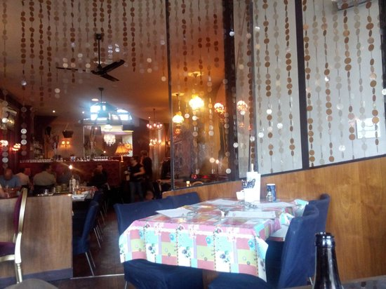 Lieve : View from our table of the restaurant