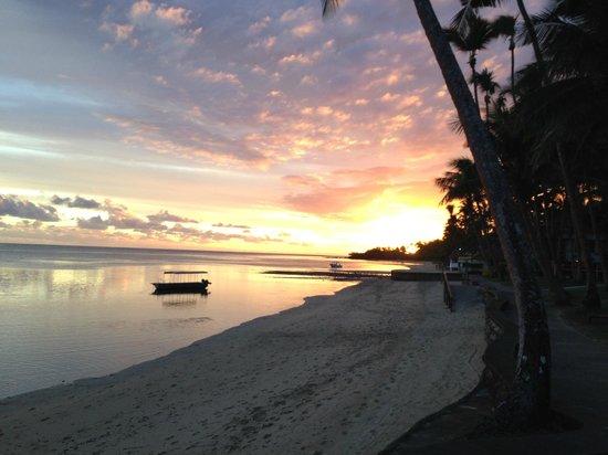 Fiji Hideaway Resort & Spa: A sunset view