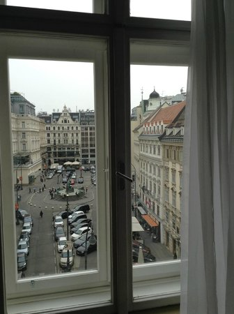 Pension Neuer Markt: Потрясающий вид на площадь Neuermarkt из окна номера 24