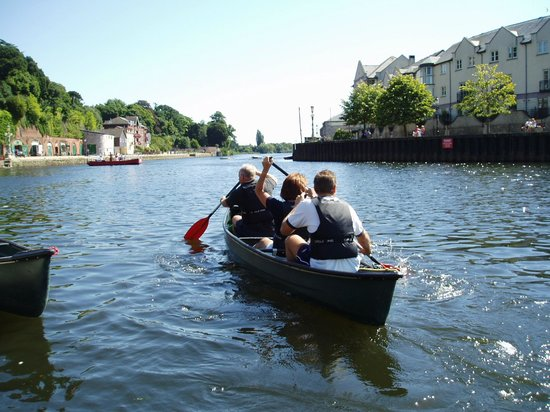 Saddles & Paddles Exeter Ltd: Enjoy a relaxing paddle along the calm canal waters