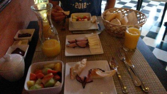 La Terraza de San Juan: Breakfast each morning!
