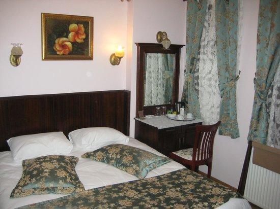Osmanhan Hotel : 2階のダブルルーム