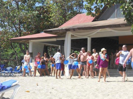 BlueBay Villas Doradas Adults Only : Beach games