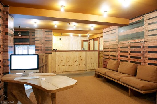 Chelton Hotel: Reception