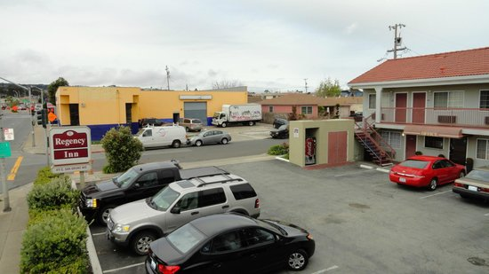 Regency Inn San Francisco Airport: Parking Lot