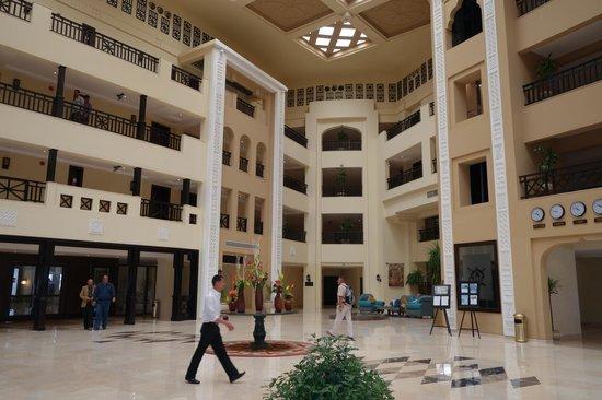 Steigenberger Al Dau Beach Hotel: main lobby