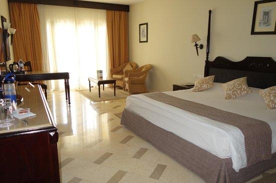 Steigenberger Al Dau Beach Hotel : my room