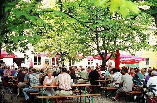 Schlosshotel Blumenthal: Biergarten