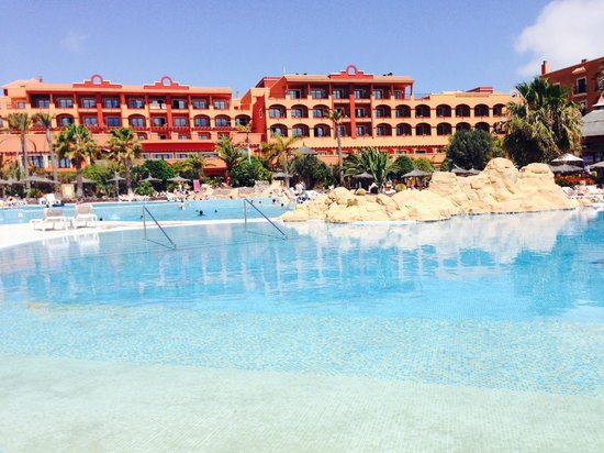 Sheraton Fuerteventura Beach, Golf & Spa Resort : Swimming Pool