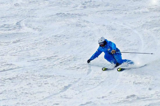 Easy 2 Ride Ski and Snowboard Academy: Blue is best