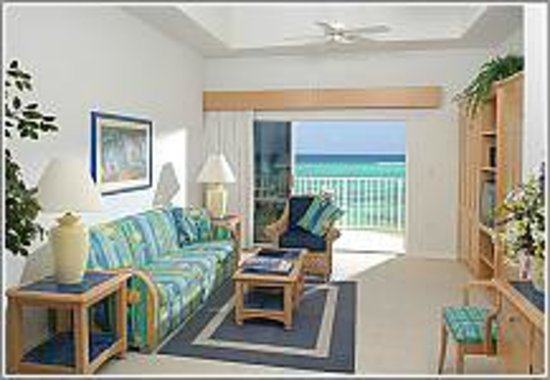 Wyndham Reef Resort: living room