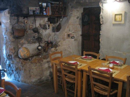 Cantina della Valle : Saletta, zona abbeveratoio