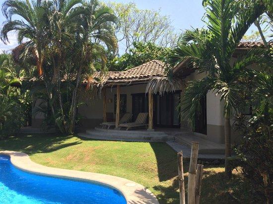 Cala Luna Luxury Boutique Hotel & Villas : Our villa from far side of pool.