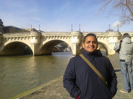SANDEMANs NEW Europe - Paris : Pont Neuf