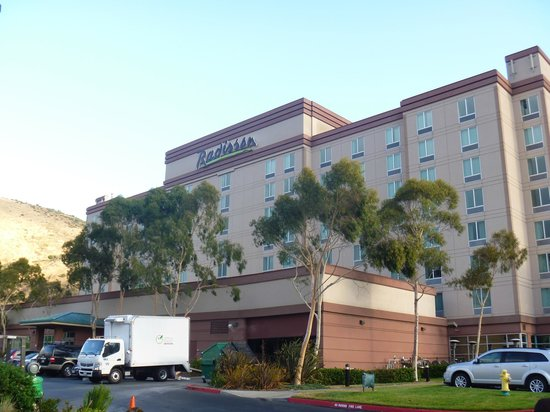 DoubleTree by Hilton Hotel San Francisco Airport North: 外観