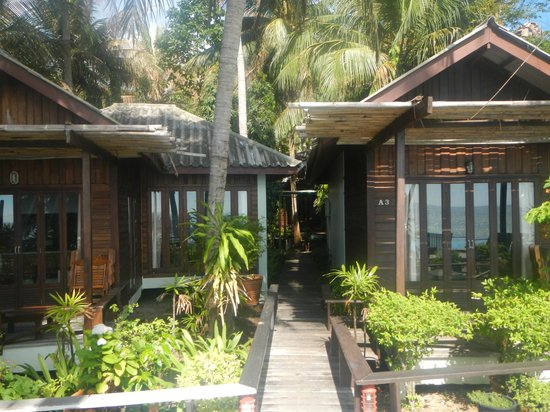 Sunset Cove Resort : Seaview cottages