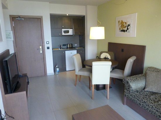 Protur Bonaire Aparthotel: Cooking and dinning area