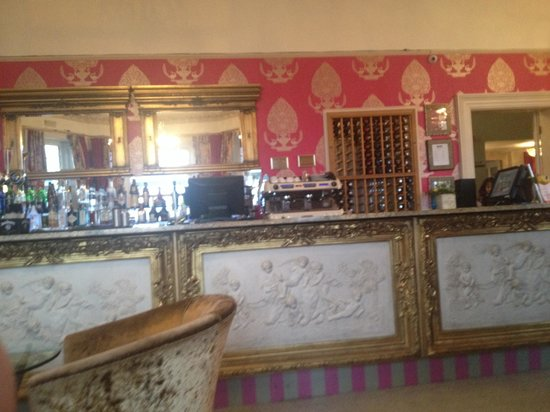The Cottonwood Boutique Hotel: Bar area