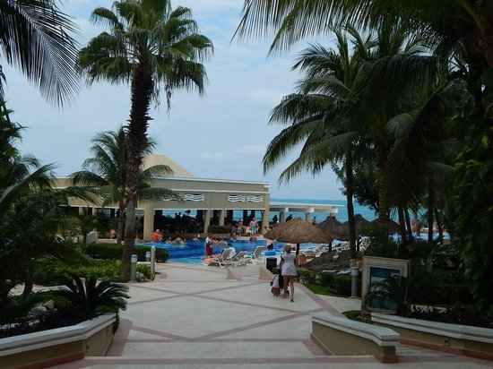 Hotel Riu Caribe: RESTAURANTE BEIRA MAR
