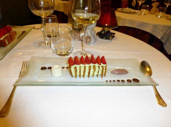 Le Cafe des Arts : Un dessert particulièrement séduisant... et bon.