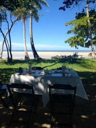 Hotel Vila dos Orixas : Bar da praia, onde almoçávamos.