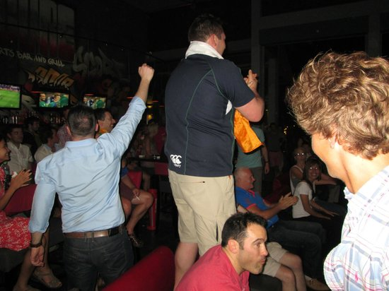 Score Sports Bar & Grill Phnom Penh: Great atmosphere for Ireland beating France