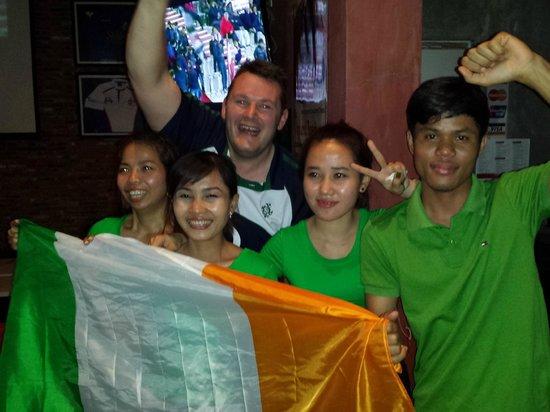 Score Sports Bar & Grill Phnom Penh: Great friendly staff at The Score
